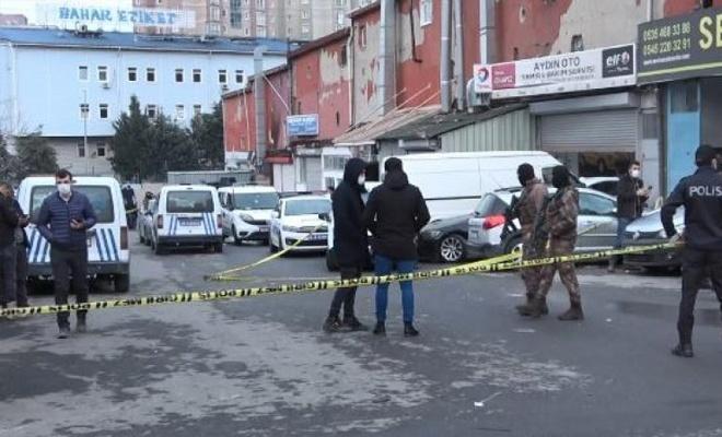 Esenyurt yine karıştı: 1'i polis üç kişi yaralandı