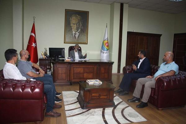 HÜDA PAR Tarsus İlçe Başkanı Tanış'tan Tarsus Belediye Başkanı Bozdoğan'a ziyaret