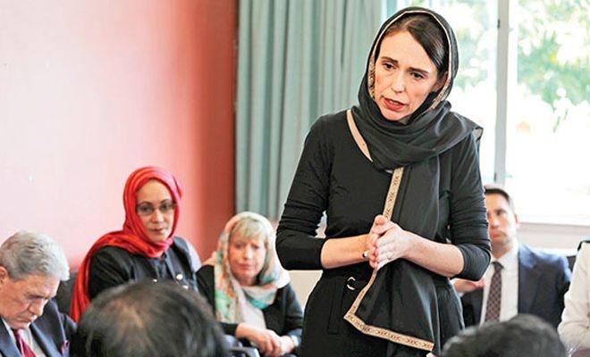 Yeni Zelanda Başbakanı: Cuma günü kadınlar başörtüsü taksın