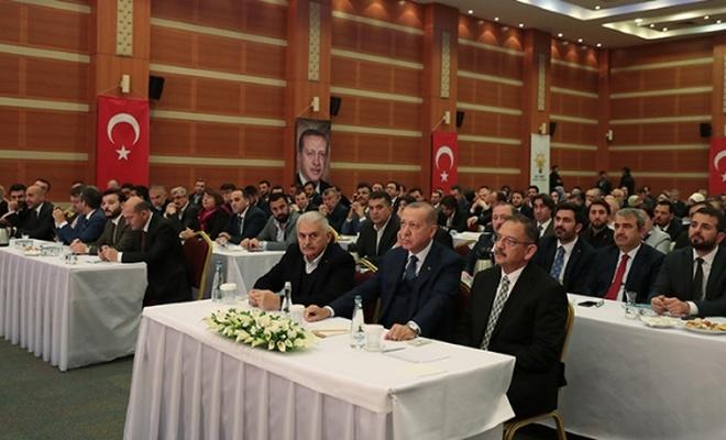 Erdoğan toplantı için İstanbul İl Başkanlığı'nda