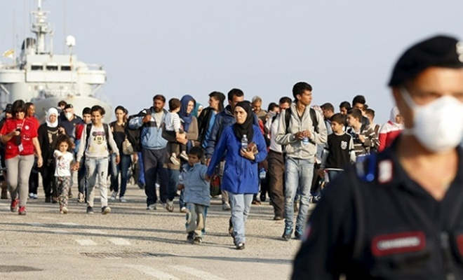İtalya'da göçmenleri kurtaran gemilere para cezası geliyor