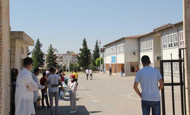 Mardin'de 33 bin adayın katıldığı YKS başladı