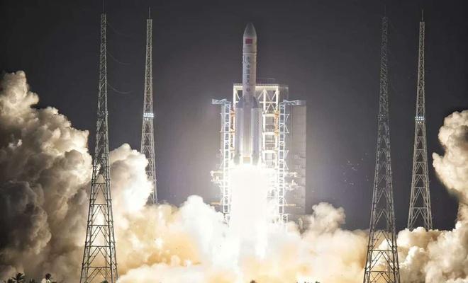 Çin'in fırlattığı roket kontrolden çıktı