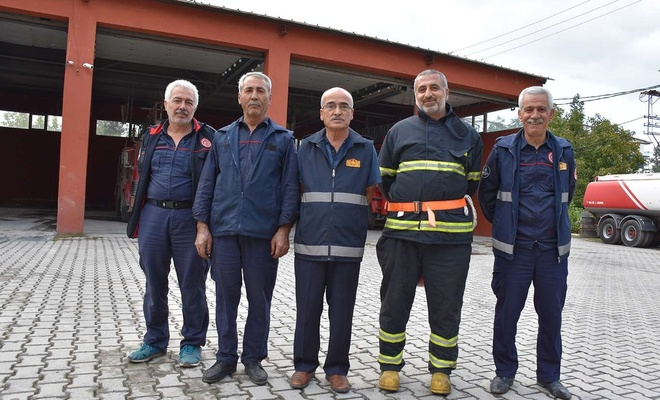 Sadece yangında değil her yerde görülen kamu çalışanları: İtfaiyeciler