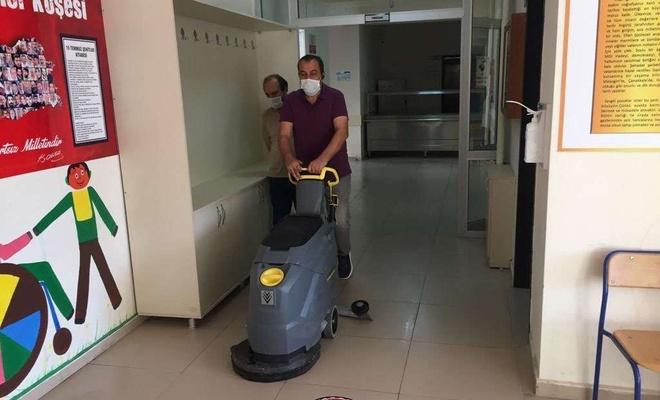 Adıyaman'da kapalı oldukları günlerde okullar dezenfekte ediliyor