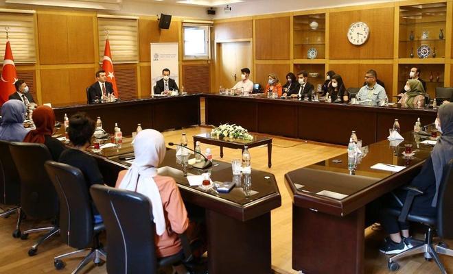 Üniversitesi öğrencileri Dışişleri Bakan Yardımcısı Kuran'ı ziyaret etti