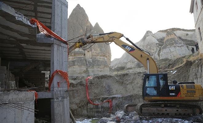 Peribacaları bölgesindeki inşaat yıkıldı