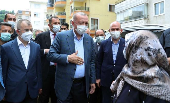 Cumhurbaşkanı Erdoğan selden etkilenen Arhavi'de vatandaşlara hitap etti