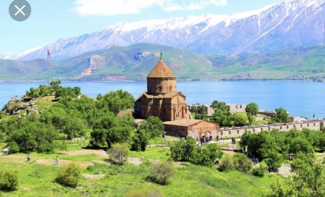 Türkiye farklı inançlara sağlanan ibadet yeri sayısında Batı'nın 5 kat önünde!