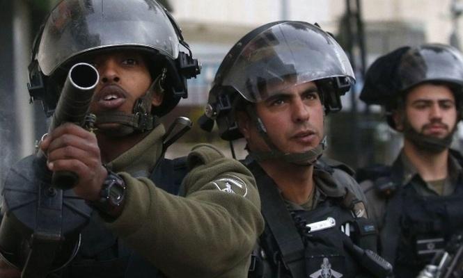 Terörist israil yıkıma direnen 150 Filistinliyi statta alıkoydu