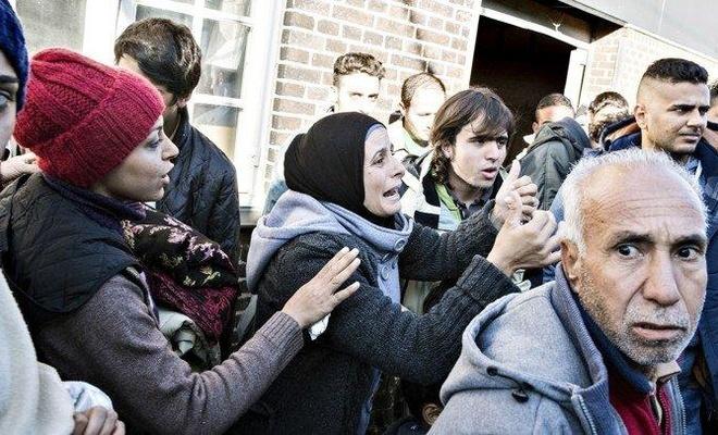 Suriyeli mültecilerin oturumlarını 'ülkeniz güvenli hale geldi' diyerek iptal ediyorlar!
