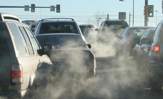 İngiltere fosil yakıtla çalışan tüm araçların satışını yasaklıyor