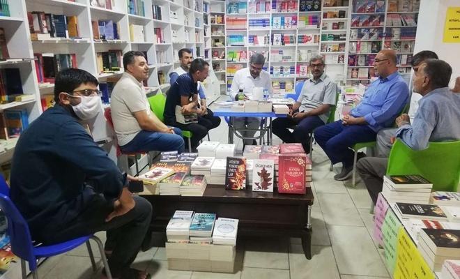 Yazar Yararlı okuyucularıyla buluştu