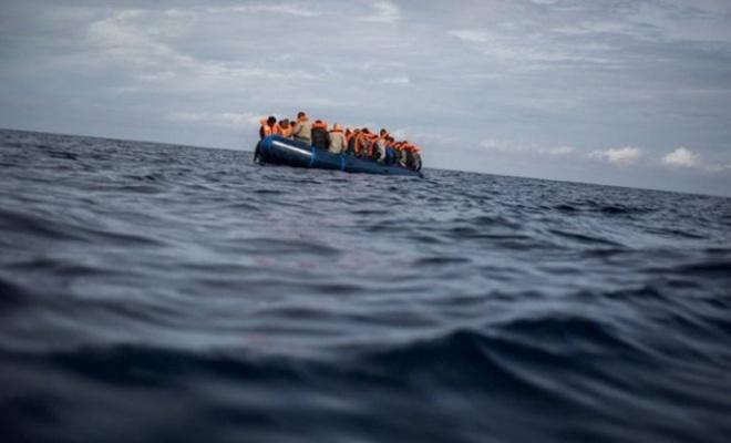 İzmir'de yelkenli teknede 87 düzensiz göçmen yakalandı