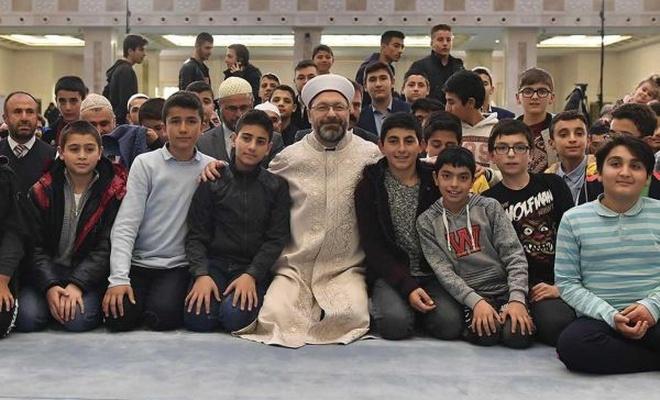 """""""Hazreti Peygamber`in daveti en çok gençlerin yüreklerinde karşılık buldu"""""""