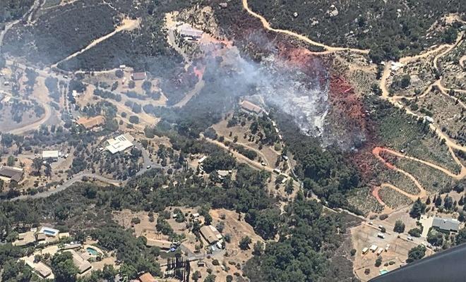 ABD'de devam eden yangınlar nedeni ile binlerce kişi tahliye edildi