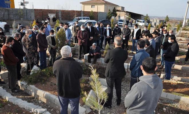 Eğitimci Murat Kılınç vefatının yıl dönümünde kabri başında anıldı