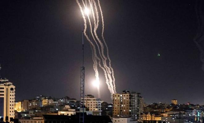 Kassam Tugaylarından Tel Aviv'e yoğun füze atışı