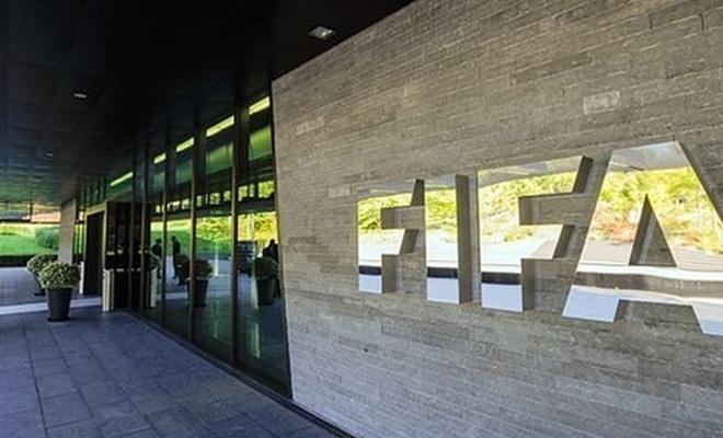 FIFA'dan transfer kararı