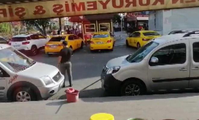 Taksi durağı önünde silahlı çatışma:  3 ölü