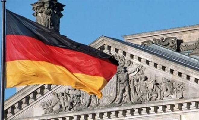Alman ekonomisi küçüldü!