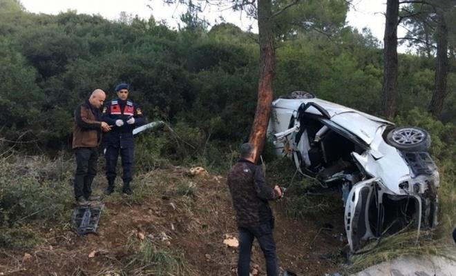 Araç takla attı; 2 ölü 1 yaralı