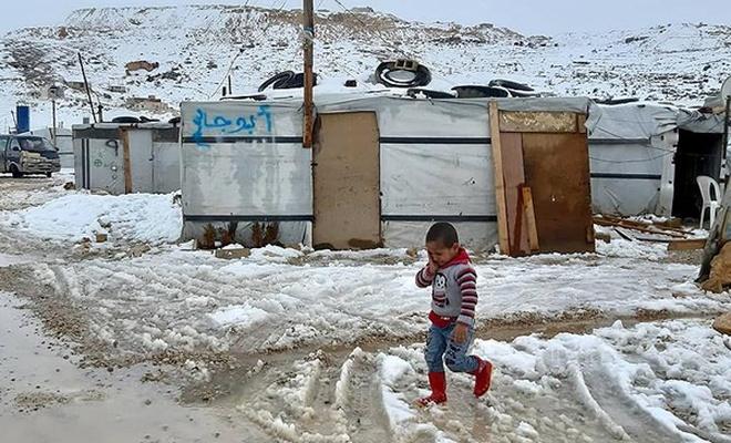 Lübnan`daki Suriyeli mültecilerin kış çilesi