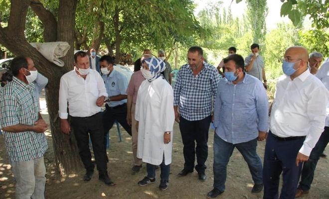 AK Parti Malatya Milletvekili Öznur Çalık deprem bölgesinde incelemelerde bulundu
