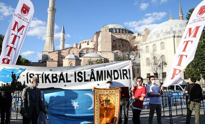 Ayasofya Camii ibadete açıldı