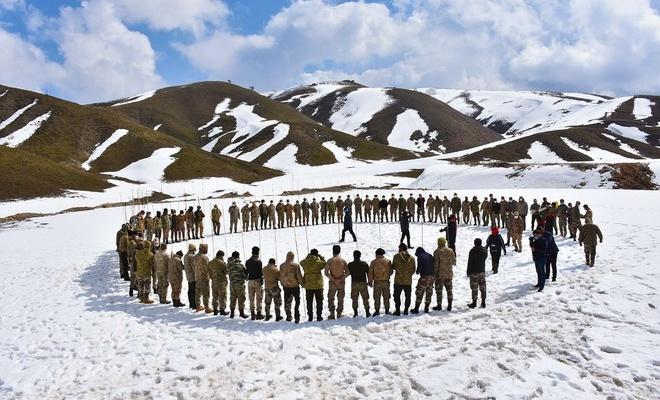 Bitlis'te güvenlik korucularına yönelik çığ tatbikatı