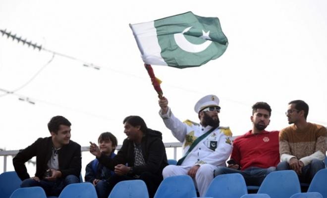 Pakistan ve Sri Lanka arasında bir ilk yaşandı
