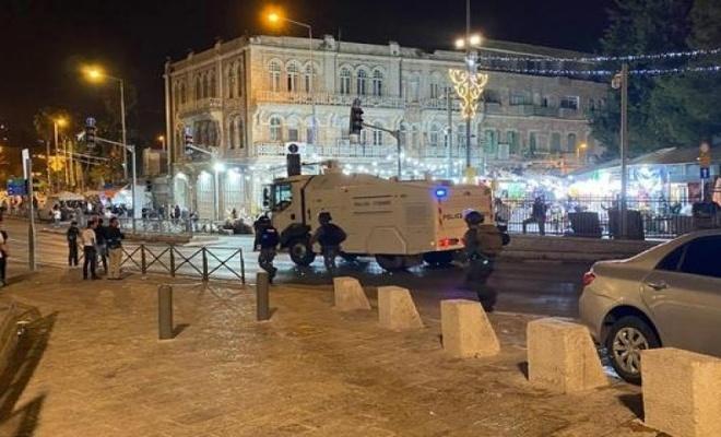 İşgal polisi, teravih sonrası Filistinlilerin üzerine pis su sıktı