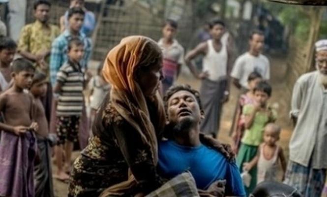 Myanmar medyası 3 Maymun rolünde