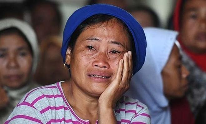 Endonezya'da asma köprü çöktü, 7 kişi öldü