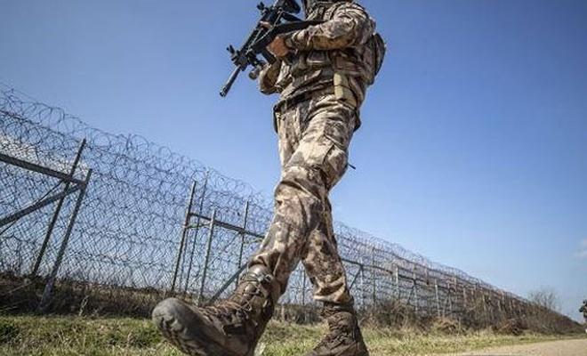 Kırımızı bültenle aranan kişi sınırda yakalandı!