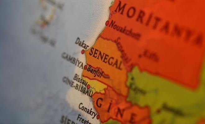 Başörtüsünü yasaklayan Fransız okuluna kapatma uyarısı