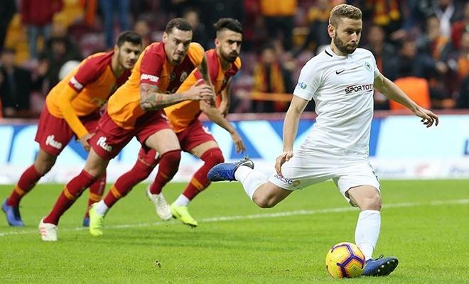 Galatasaray liderlik için sahaya çıkıyor